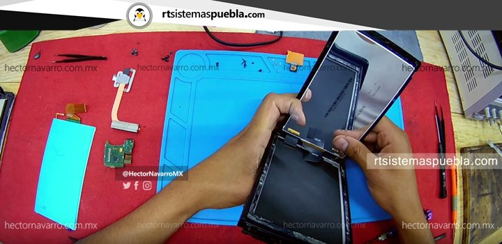 Separar cuidadosamente el touchscreen